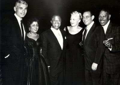 Jeff Chandler, Lucille Armstrong, Louis Armstrong, Peggy Lee, friend, Cab Calloway