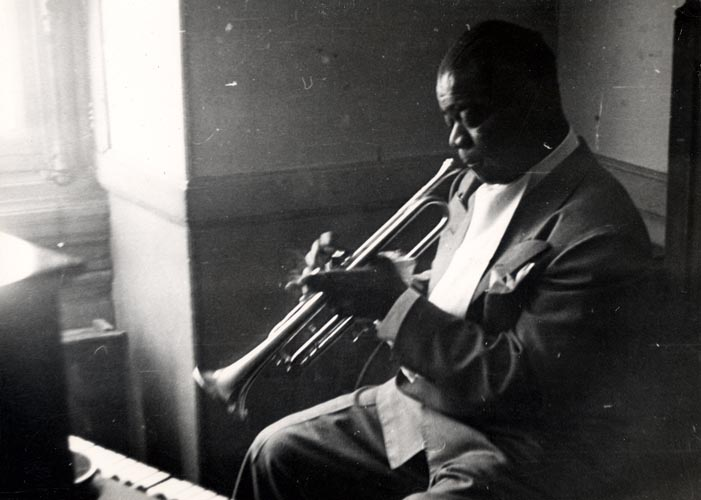 Warming up in his dressing room in the 1950s
